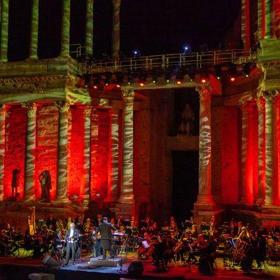 STONE&MUSIC FESTIVAL 25/09/2021.- Placido Domingo en el Teatro Romano de Mérida en el marco del Stone Music. foto/ Jero Morales